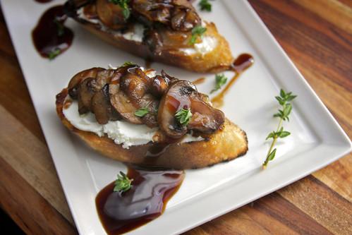 caramelized mushroom bruschetta