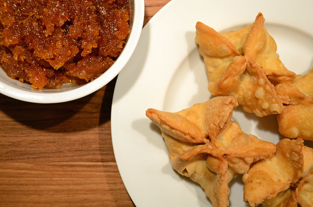 lamb samosas with apricot chutney