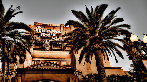 Hollywood Tower Hotel by hbmike2000