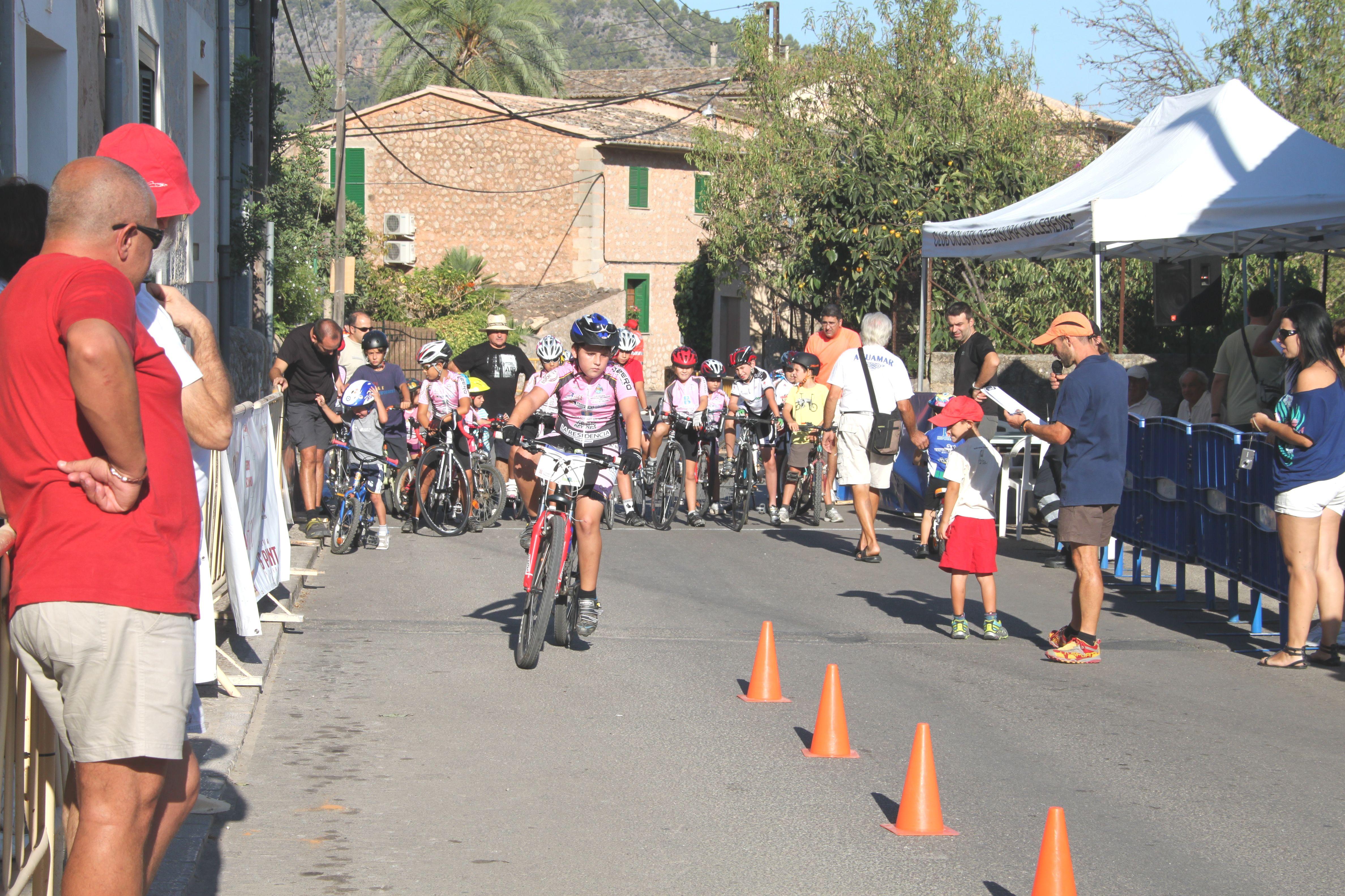 Els jocs i proves d'habilitat, eix de la Primera Diada Ciclista de Mallorca.-