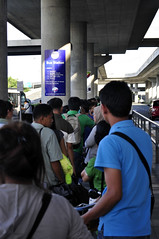 NAIA 3 shuttle bus