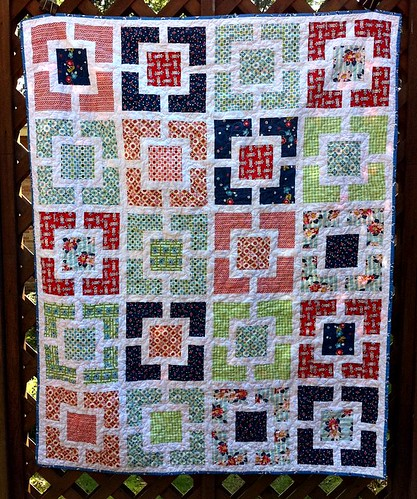 DS Quilts Garden Fence finished!