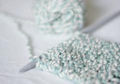 Gift (Julia,*) Tags: white scarf 50mm morninglight nikon knitting yarn gift needles lightblue d3000
