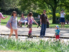 Hyde Park Rollerskaters (Waterford_Man) Tags: people london parks hydepark paths serpentineroad
