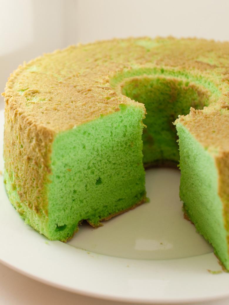 Pandan Chiffon Cake_010