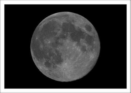 August 2011 Full Moon by powershotpix