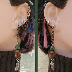 Pair of cartilage chain earrings -  green, brown, orange with feathers