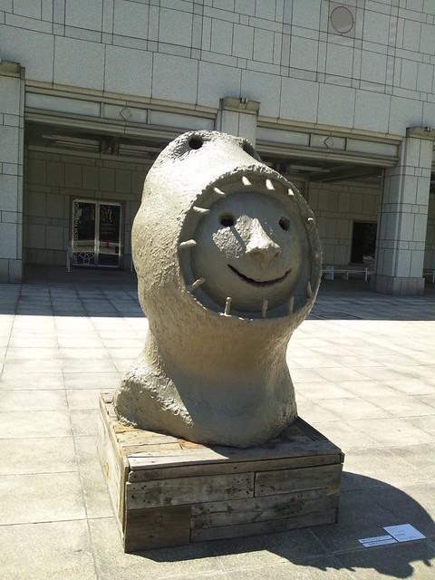 顔の中に顔-横浜トリエンナーレ2011の写真