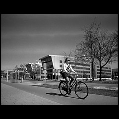 (Hans van Reenen) Tags: bw color film bicycle mediumformat nijmegen cycling student cyclist nederland thenetherlands cine fahrrad fietsen fietser pentax67 radbouduniversiteit heyendaalseweg fujicolorpro160s silkypixpro canoscan9000f 20110411 pentax6x745mmf4