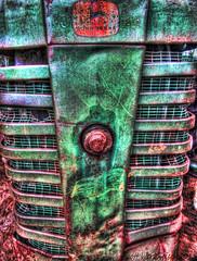 John Deere (Scott Werkheiser) Tags: tractor green canon john farm rusty grille bent deere dented sxis