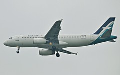 SilkAir Airbus A320-233 9V-SLM (nighteye) Tags: singapore sin airbus wsss silkair changiinternationalairport a320233 runway20r 9vslm