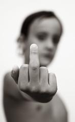 Rebelde (J.Romeu) Tags: blancoynegro libertad bn vida libre dedo energia opresion rebelde peineta