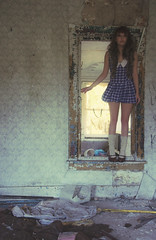 (yyellowbird) Tags: wallpaper house abandoned girl illinois cari rockford n33dm0r3vri3ty