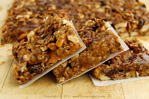 Roasted Nut and Mango Energy Bars