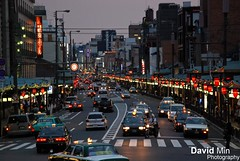 Kyoto, Japan - Shijo Avenue (GlobeTrotter 2000) Tags: street travel light red urban tourism car japan automobile bravo shrine asia traffic district traditional visit explore geiko geisha lanterns gion avenue japanes yasaka shijo kyto