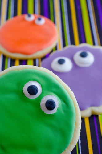 Simple Monster Cookies1