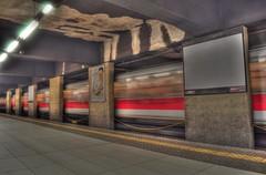 Metr di Milano [HDR] (Echoes89) Tags: milan nikon metro milano duomo nikkor atm metropolitana hdr mailand d90 photomatix trasporti linearossa