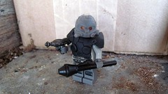 Auslndisch German Commando (1968) (The Brick Guy) Tags: night soldier lego aliens vision german hazel 1968 custom raygun commando killzone minifigure panzerfaust alternatehistory brickarms auslndisch amazingarmory nightmaresystems unitedarmory stg67