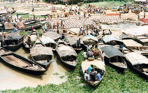 Fishing boats, Bangladesh. Photo by WorldFish, 2004