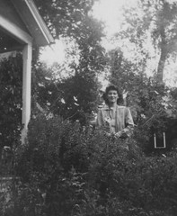 Family Snapshot Backyard at Katzes October 43 by randubnick