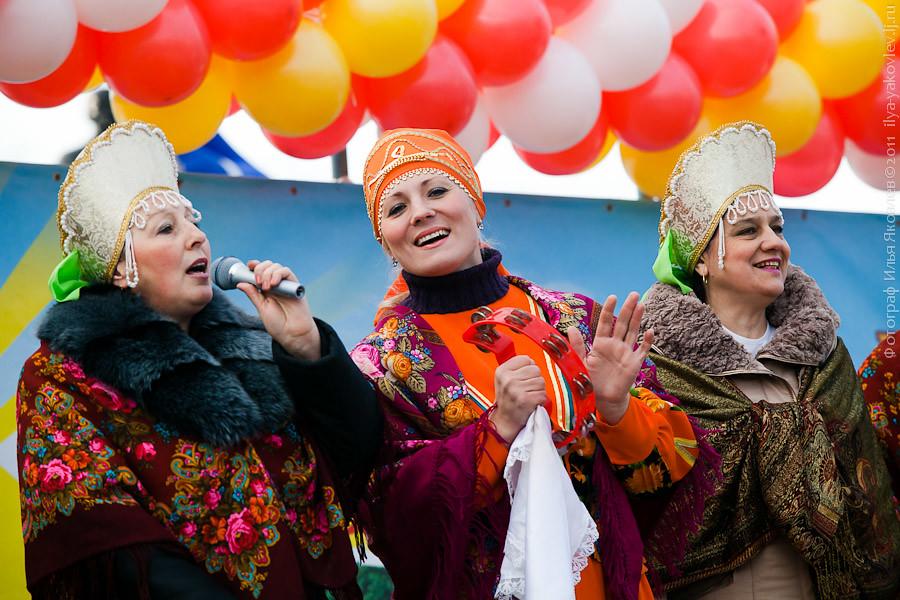 20111104-0119-Chebarkul-festival-pelmeney
