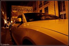 ... des courbes oranges de l'automobile en caravane... (Gongashan) Tags: paris france olympus   orangerouge xz1 caravanederve