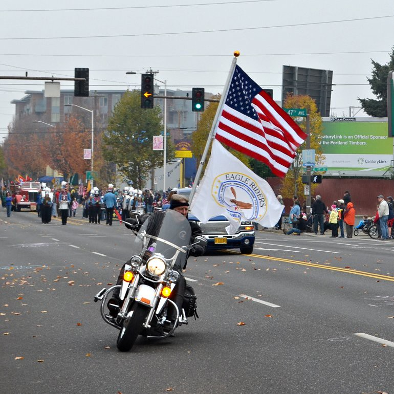 DSC_0094p_veterans_day_parade_motorcyclist