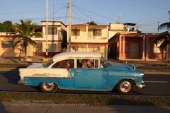 Cienfuegos, Malecn, US vintage car (blauepics) Tags: auto road street city travel car america vintage island us reisen automobile republic strasse country cuba nation central ciudad republik communist stadt latin land oldtimer caribbean cuban amerika americas cienfuegos kuba malecn the karibik lateinamerika mittelamerika kubanische amerikanisches