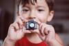 Bernardo, 2 anos, fotógrafo... (Natália Viana) Tags: family boy baby love children toy lomo brinquedo amor família criança bernardo câmera lomografia childrenphotographer natáliaviana minifotógrafo