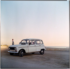 .queen in my pictures (Herr Benini) Tags: barcelona r4 renault4