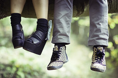 . (joannablu kitchener) Tags: uk cute love scotland nikon shoes couple edinburgh bokeh f14 85mm pete nikkor deanvillage d90 menuo kitchenerphotography