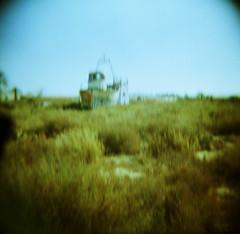 Más perdido que el barco del arroz (Zé.Valdi) Tags: sea beach mar holga lomo lomography xprocess spain crossprocess playa cabodegata almera