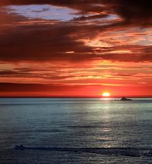 Tevennec Lighthouse - Finistère - Brittany - France (Ronan Follic) Tags: sunset mer france sunrise brittany bretagne breizh nuages phare raz finistere pointeduraz pennarbed capsizun pointedebretagne