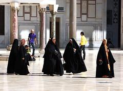 pilgrims, courtyard of the Umayyad Mosque, Damascus (mountainbogy) Tags: hijab mosque syria damascus pilgrim umayyad dimashq