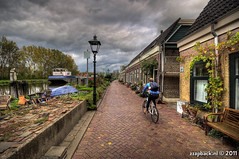 Boat 'n' Bike / Overschie / Rotterdam (zzapback) Tags: city bridge urban holland robert netherlands dutch bike vintage river de boat rotterdam europa europe fotografie angle wide nederland sigma overschie biker brug 1020 ultra hdr stad fiets fietser rivier boor voogd schie rotjeknor vormgeving photomatix groothoek grafische bergselaan liskwartier zzapback zzapbacknl robdevoogd stayawakeenjoyyourday delfshavenseweg