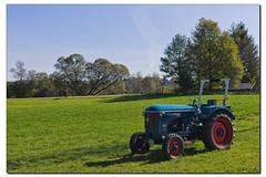 Oldtimer (Helmut Reichelt) Tags: leica germany deutschland bavaria traktor herbst oberbayern oldtimer m9 colorefexpro4