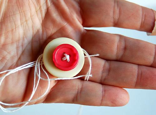 6286227323 2ef252aa99 Groovin Com a ir para Gals: Os Botões Conheça os Brads