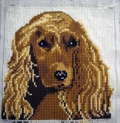 klaar: hond (borduursarahh) Tags: borduren kruissteek