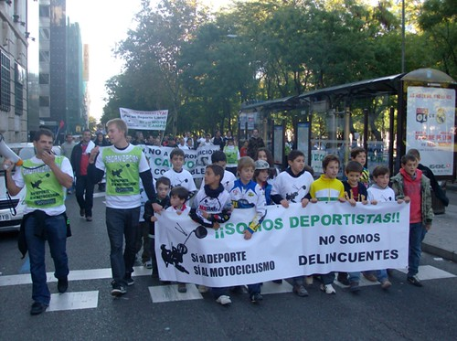 Manifestación Plataforma Sí al DEPORTE,  Sí al MOTOCICLISMO 2011 madrid