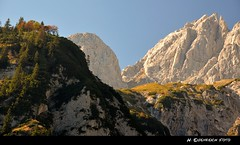 Die Majestt lsst gren (H. Eisenreich Foto) Tags: autumn light mountains alps fall prime austria licht tirol photo ic sterreich nikon foto fotografie herbst hans award going berge explore heike otoo kaiser alpen leafs landschaft bltter alpi tyrol wilder 2012 reise naturesfinest 2011 reisefotografie autumno explored entdecken landschaftsfotografie schmidmhlen kaisergebirge eisenreich reisefoto allmau eijomian landschftsfoto