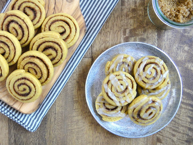 Pumpkin cinnamon roll cookies