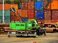 Grúa en el puerto de Antofagasta (Victorddt) Tags: chile crane grua sonycybershot antofagasta dsch55