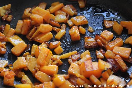 Sopa de cebolla morada con bombones de calabaza. www.cocinandoentreolivos (5)