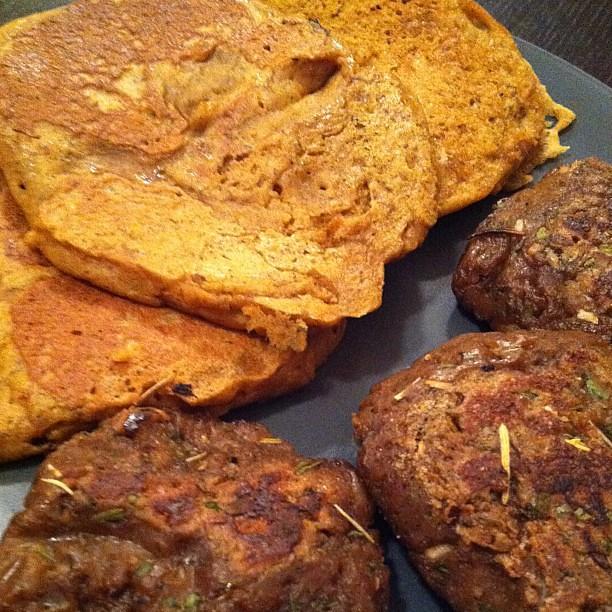 GF pumpkin pancakes & seitan sausage patties