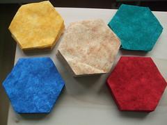 zugeschnittene Sechsecke aus Flanellstoffen
