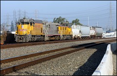 UPY579 Leads the LOA32 at CP College (greenthumb_38) Tags: railroad morning train earlymorning trains unionpacific locomotive anaheim sled gp switcher wye emd gp151 canon40d westanaheim jeffreybass loa32 costamesajob remotesled anheimwye loa25 loa32r