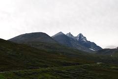 Hurrungane (med nysn) sett fr Turtagr (KOKONIS) Tags: mountain norway landscape norge nikon europa europe scandinavia fjell vestlandet landskap noreg skandinavia sognogfjordane d80 mrgniqq