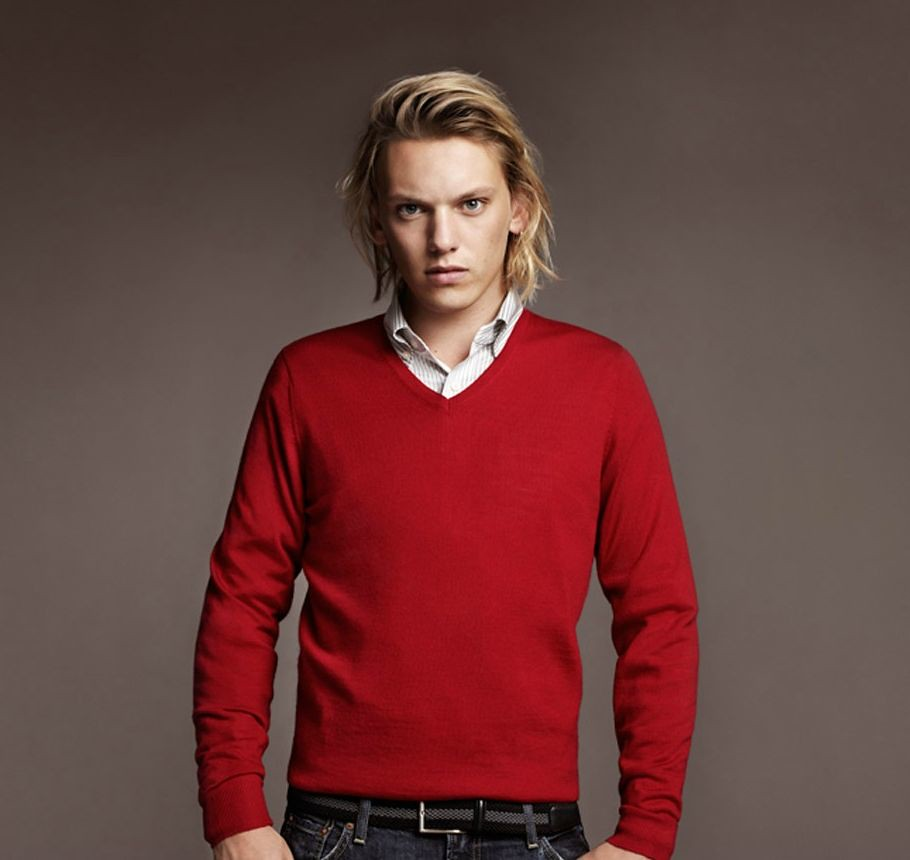 Jamie Campbell Bower0027_UNIQLO AW11