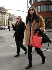 taxi taxi (omoo) Tags: newyorkcity girls cars sunglasses traffic westvillage furcoat streetscenes greenwichvillage beautifulgirl blackboots stretcorner taxitaxi perryandseventhavenuesouth lookingforataxi