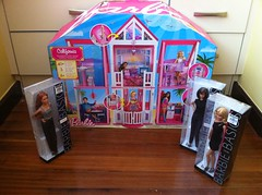 Barbie Malibu Californian Dream House (Jacob_Webb) Tags: house jet barbiehouse barbietownhouse barbiejet barbiebasics barbieglamvacationhouse kenhouse kenbasics barbiecaliforniandreamhouse barbiemalibudreamhouse barbiebasics2012 barbiebasicsblack barbie3storytownhouse barbieglamvacationjet glamjet